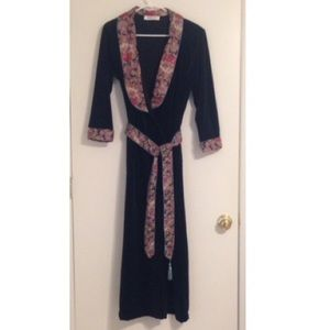 Vintage robe floor length paisley floral